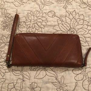 Lucky Brand Wallet/Wristlet